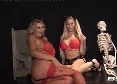 r18_bsx_live_235_leigh_darby_carly_maliiboo