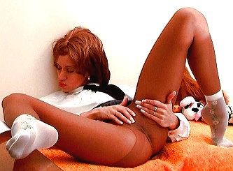 Lilywow 丝袜视频 Horny schoolgirl MP4/188MB