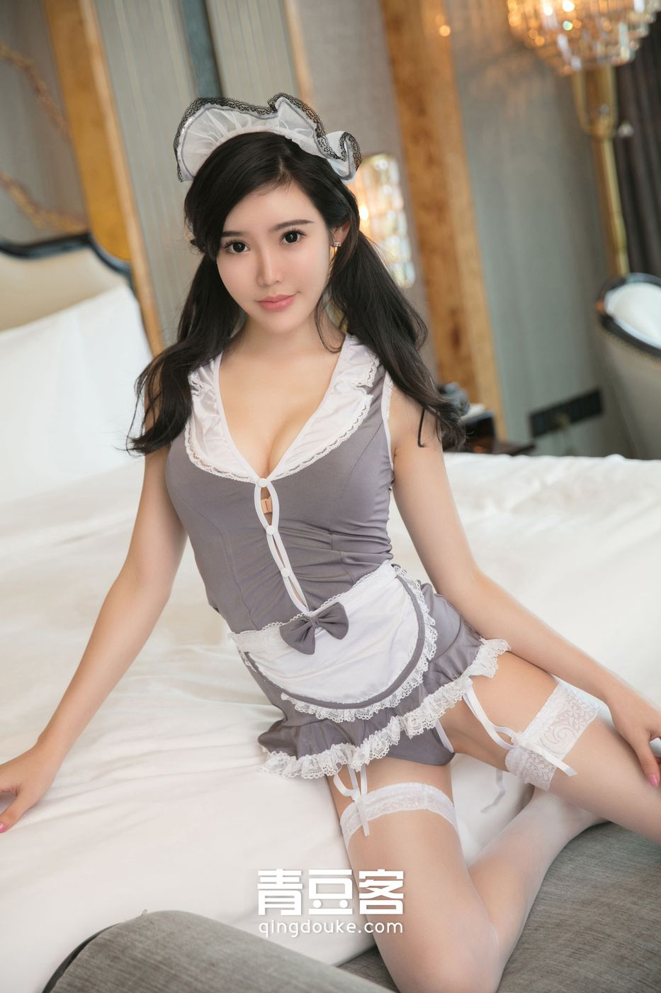 极品D奶mm女神何晨曦女仆装丝袜美腿制服内衣性感私拍写真图片