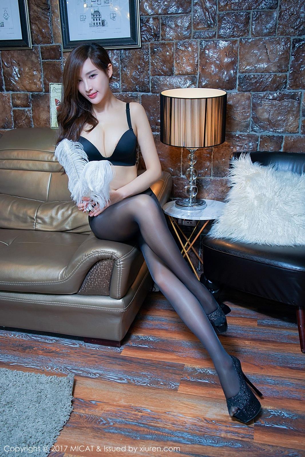 极品丝袜美腿美女Celia高挑性感私房写真图片