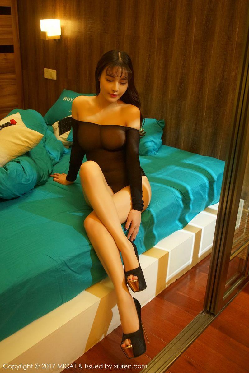 中乌混血美女雪瑞Lisa大尺度丝袜美腿私房写真照片